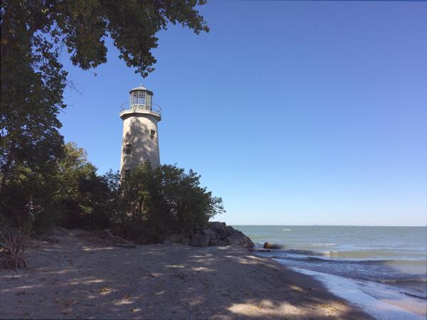 LighthousePEE